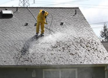 pressure washing roof clean